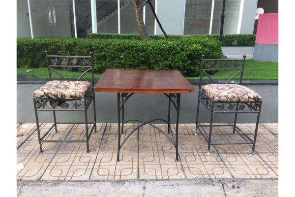 Thanh lý Bộ bàn 2 ghế uống trà lưng thấp cũ giá rẻ