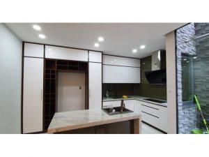 Tủ bếp đóng sẵn giá rẻ cho căn hộ cao cấp mẫu 01
