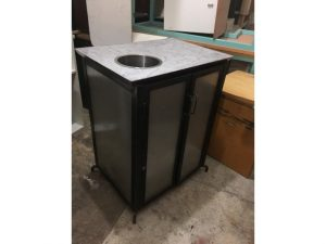 Thanh lý Tủ bếp cũ 2 cánh mặt giả đá bền đẹp