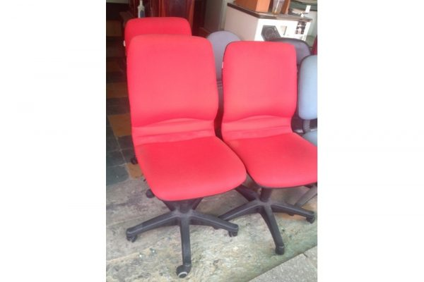 Thanh lý ghế xoay đỏ lưng cao