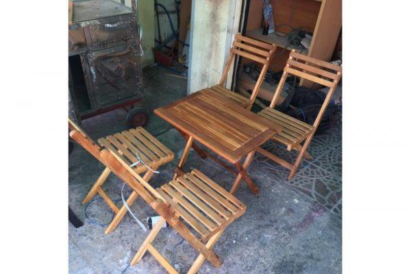 Thanh lý bàn ghế xếp gỗ mini