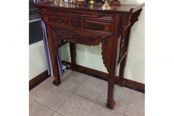 Thanh lý bàn thờ gỗ cẩm thị