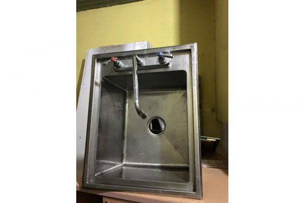 Thanh lý bồn rửa inox nóng lạnh