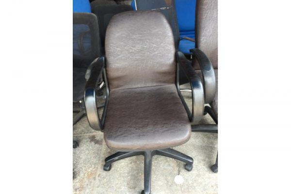Thanh lý ghế lưng trung bọc si M01