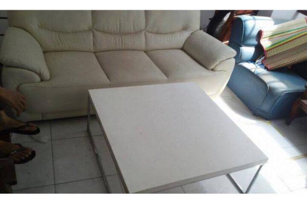 Thanh lý sofa da 3 chỗ màu trắng
