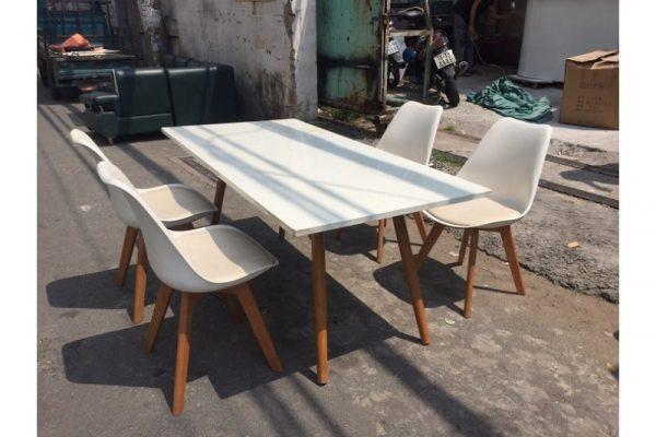 Bộ bàn ăn 4 ghế màu trắng tồn kho cũ giá rẻ