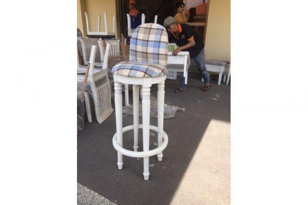Thanh lý ghế bar màu trắng cũ hàng Vip giá rẻ