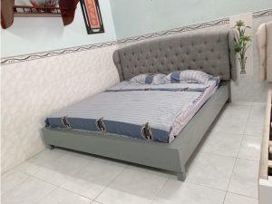 Thanh lý giường bọc vải 1m8 x 2m mới 100%