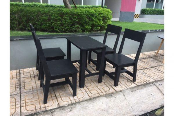 Bộ bàn ghế gỗ quán nhậu cũ 4 ghế màu đen