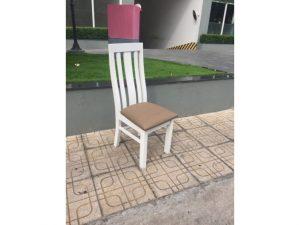 Thanh lý ghế gỗ cũ lưng cao màu trắng đẹp 95%