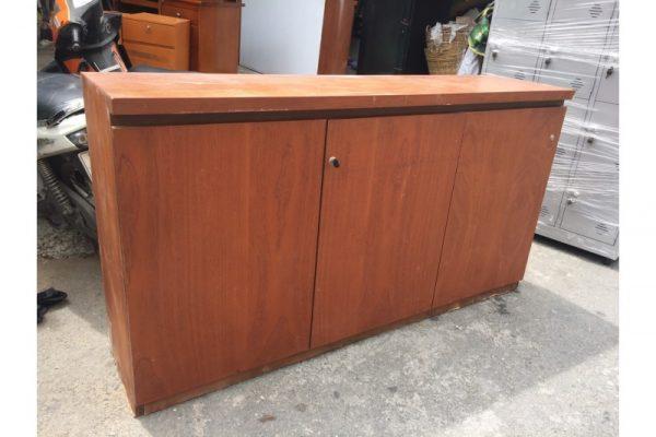 Thanh lý tủ hồ sơ cũ 3 cánh thấp MDF màu nâu gỗ