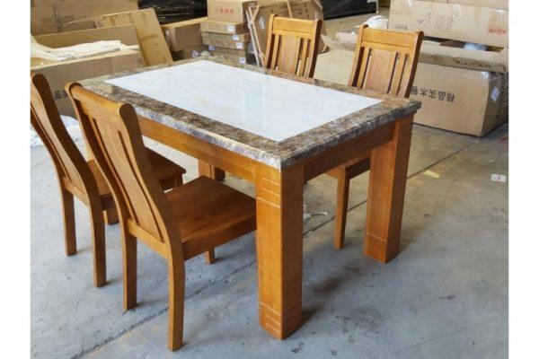 Thanh lý bộ bàn ăn 4 ghế mặt đá hàng cao cấp