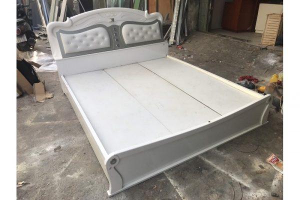 Thanh lý giường gỗ 1m6 màu trắng