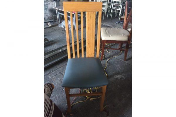 Thanh lý ghế gỗ bọc nệm lưng cao cũ giá rẻ