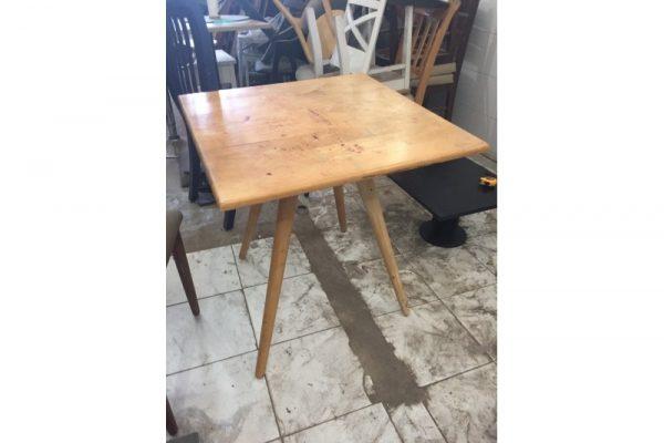 Thanh lý bàn cafe chân gỗ hàng đẹp