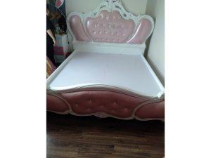 Thanh lý giường hoàng gia cũ 1m8 màu hồng