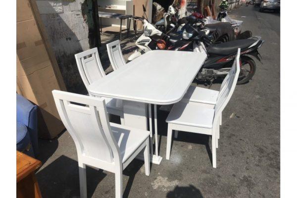 Thanh lý bộ bàn ăn oval 5 ghế màu trắng cũ